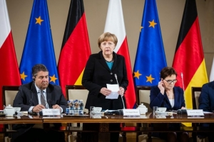 Angela Merkel said she expects EU sanctions against Russia to be renewed as the bloc held summit talks with Petro Poroshenko