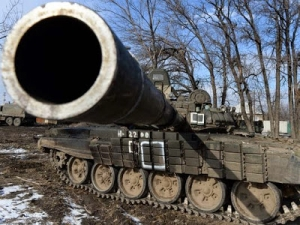 A T-72 tank of pro-Russian rebels is posted outside Uglegorsk, six kilometers southwest of Debaltseve, Ukraine.