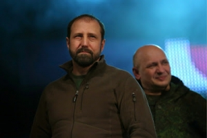 Alexander Khodakovsky (L), former head of SBU's counterterrorism unit in Donetsk, is one of the highest-profile defectors to the rebels.